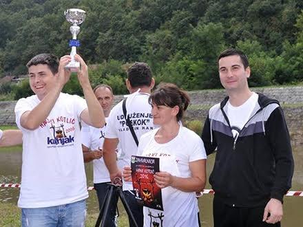 Slavlje pobednika u Hanu FOTO Vladica Stanković