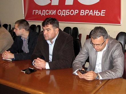 Ovako se više ne može: Nebojša Zupančić (u sredini) FOTO: S. Tasić/OK Radio