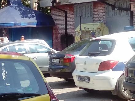Amaterski snimak taksi stanice u centru Vranja