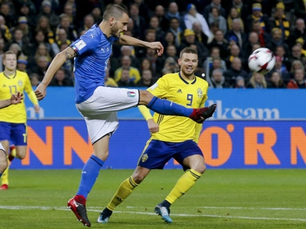 Bonući na meču sa Švedskom Foto: AP Photo/Frank Augstein