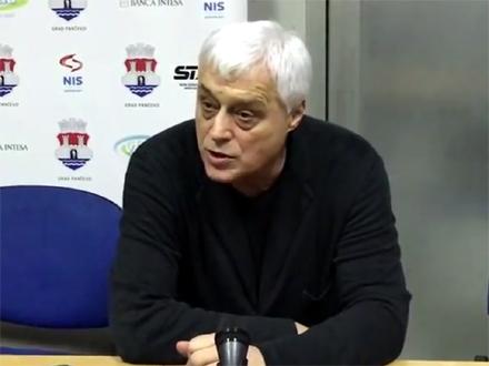 Nikolić dao šansu mlađima FOTO: YouTube screenshot