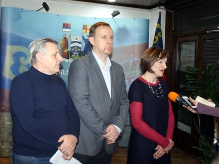 Stanković, Stajić i Tanasić na otvaranju radionice FOTO: vranje.org.rs