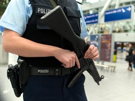 Policija bez objašnjenja FOTO: DW