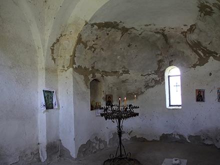Unutrašnjost crkve u Lučanu. Foto: OK Radio