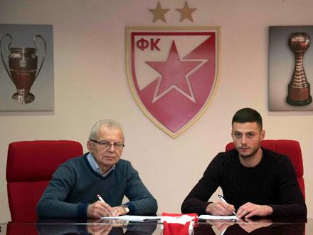Potpisan ugovor na tri i po godine FOTO: FK Crvena zvezda