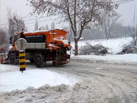 Putari se bore sa snežnim nanosima FOTO: D. Ristić/OK Radio