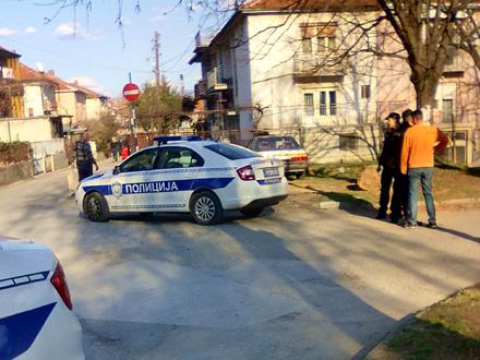 Policija odmah blokirala čitavu ulicu FOTO: Amaterski snimak/OK Radio