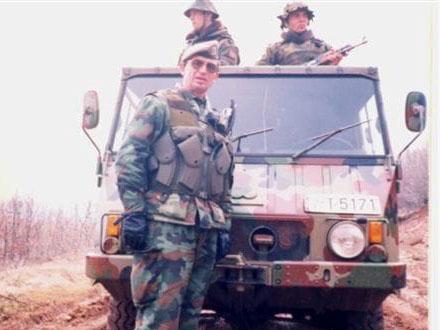 Dragutin Dimčevski sa svojim vojnicima. Foto: Lična arhiva/OK Radio