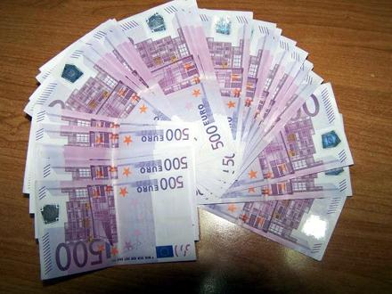 U torbici 60.000 evra FOTO: Uprava carina