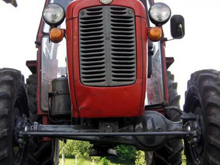 Vozač zadobio teške telesne povrede FOTO: Picsbox/ilustracija