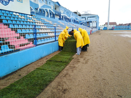 Poklon Surdulici od FSS-a FOTO: FK Radnik