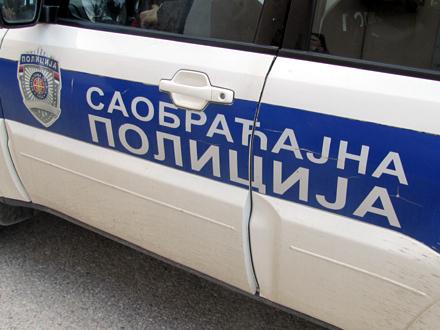 Proveravaće vezivanje pojasa na auto-putu na zadnjem sedištu FOTO: S. Tasić/OK Radio