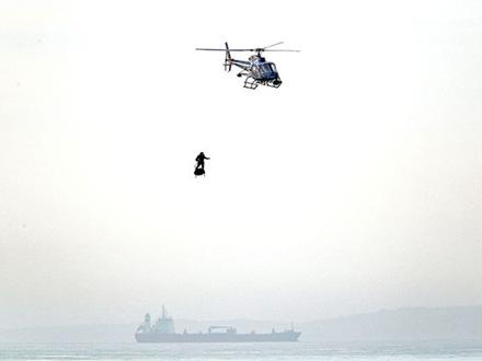 Zapata preleteo je za 20 minuta putanju dugu 36 kilometara FOTO: AP