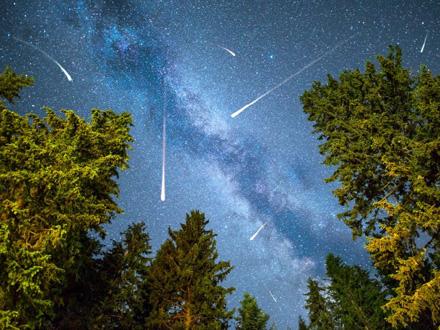 Moći će da se vidi 10 do 15 sjajnih meteora na sat FOTO: Shutteratock