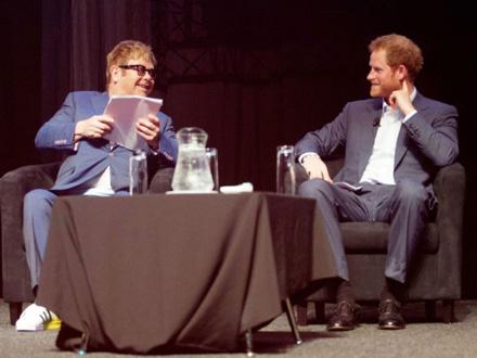 Elton Džon i princ Hari FOTO: EPA