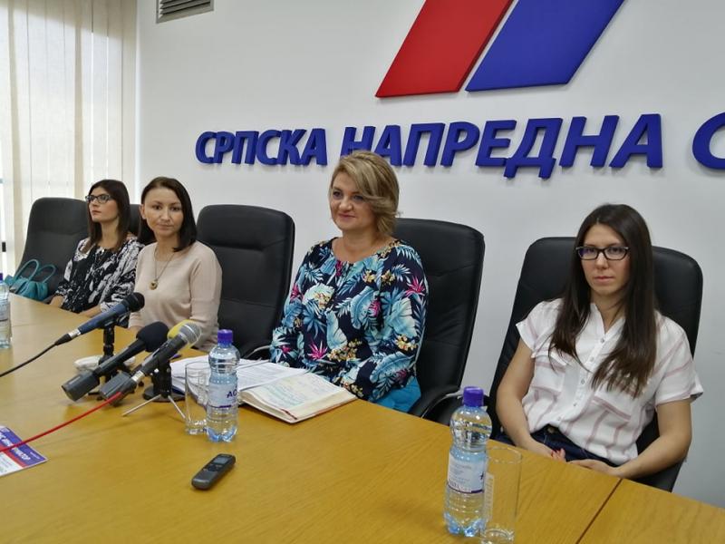 Sa konferencije za novinare u SNS. Foto: S.Tasić/OK Radio