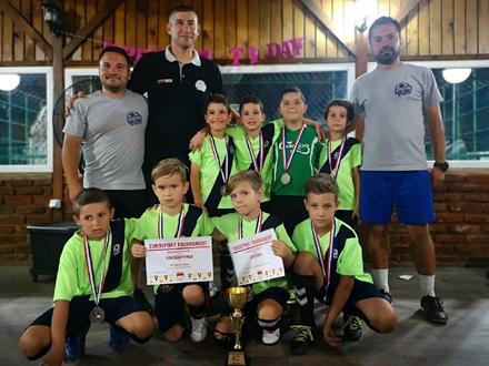 Mladi vranjski fudbaleri sa odličjima FOTO: FK