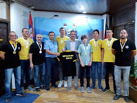 Zajednička fotografija FOTO: vranje.org.rs