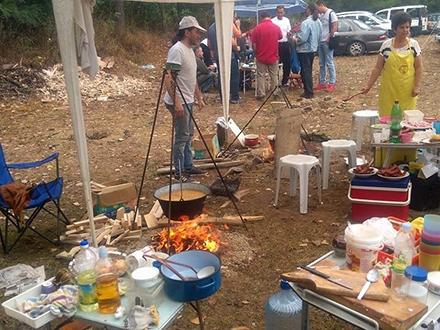 Majstori pripremaju razna jela od škembića FOTO: Facebook