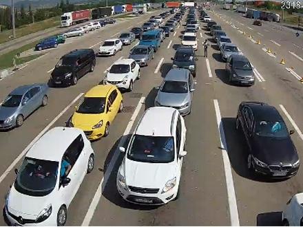 Kolona vozila duga nekoliko kilometara FOTO: Printscreen