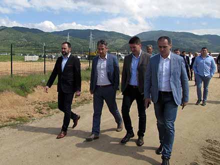 Gradonačelnik sa saradnicima će pešice doći na posao FOTO: S. Tasić/OK Radio