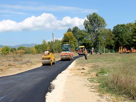 Asfaltira se deonica puta u dužini od 809 metara FOTO: vranje.org.rs