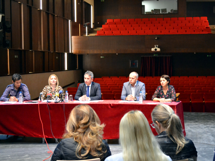 Konferencija za medije na velikoj sceni FOTO: G. Mitić/OK Radio