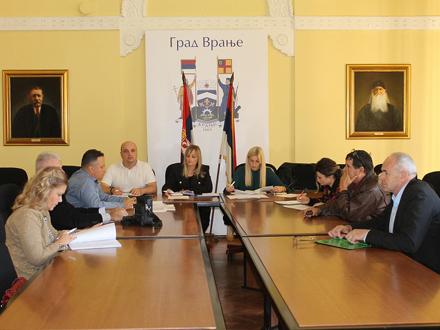 Sastanak radne grupe za podršku uspostavljanju i sprovođenju sistema upravljanja čvrstim otpadom FOTO: vranje.org.rs