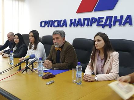 Sa konferencije u SNS. Foto: S.Tasić/OK Radio