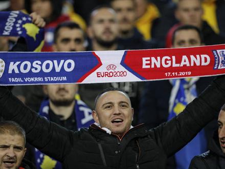 Novinari traže reakciju UEFA FOTO: EPA/ValdrinXhemaj