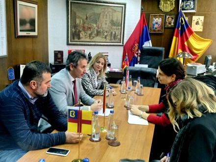 Leoni Rajmers interesuje privredna situacija i položaj mladih FOTO: vranje.org.rs
