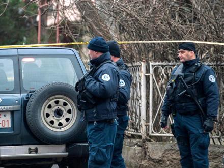Policija na mestu ubistva Olivera Ivanovića FOTO: EPA/Stringer
