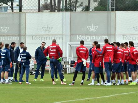 Posmatrao trening crveno-belih FOTO: Facebook/FK Crvena zvezda