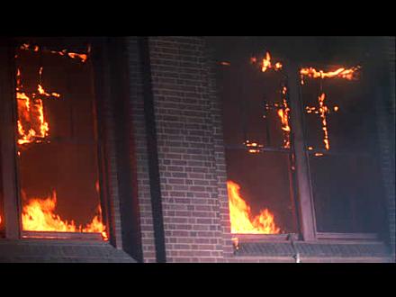 Požar je lokalizovan, a kuća je potpuno izgorela FOTO: Getty Images