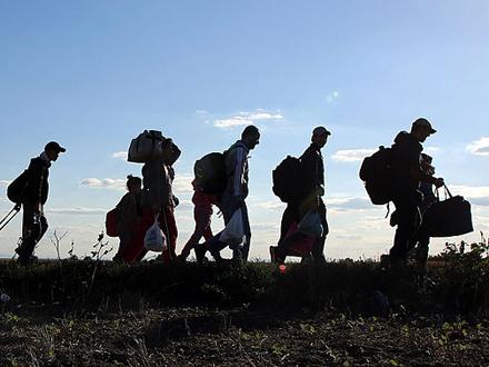 Ilegalci zaobilaze kontrolu FOTO: AFP