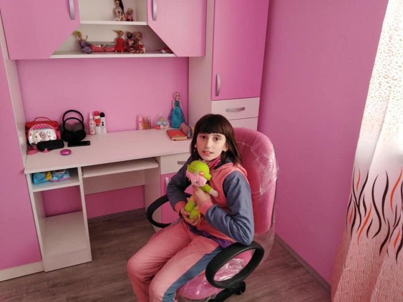 Anđela u svojoj novoj sobi. Foto: Nenad Zlatanović