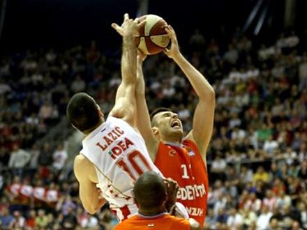 Pre toga, sledi duel sa ekipom Megom FOTO: KK Crvena zvezda