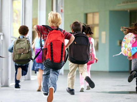 Moraće, ipak, da svrate u školu FOTO: Depositphotos
