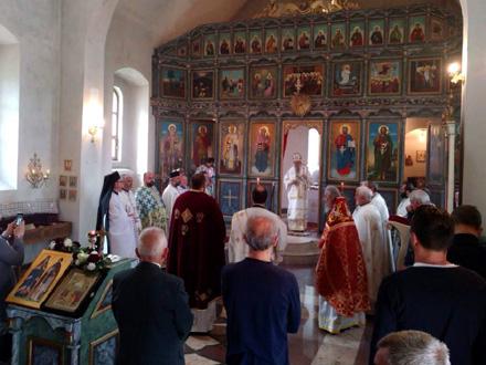 Posle liturgije u crkvi se služi parastos FOTO: D. Ristić/OK Radio