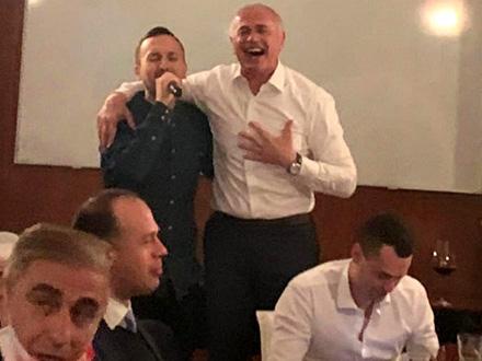 Proslava posle pobede u derbiju FOTO: Twitter/Crvena zvezda