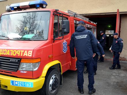 Na terenu 10 vatrogasnih vozila FOTO: D. Ristić/OK Radio