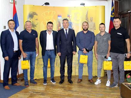 Nakon prijema u kabinetu gradonačelnika FOTO: vranje.org.rs