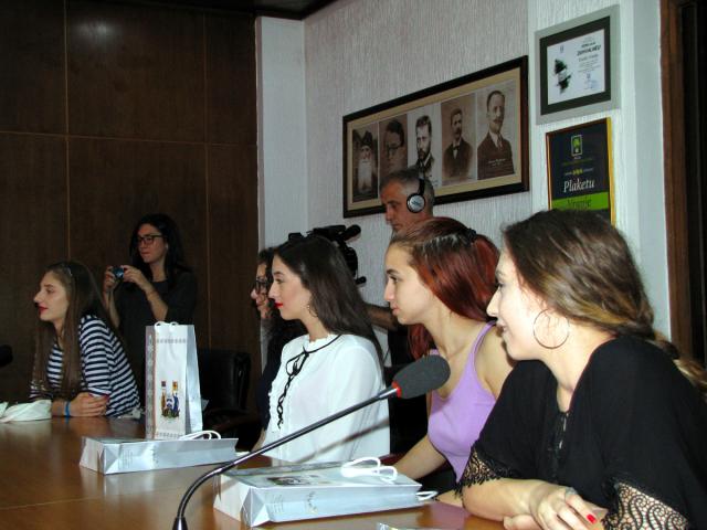 Pobednice takmičenja Srbija u ritmu Evrope kod gradonačelnika Vranja