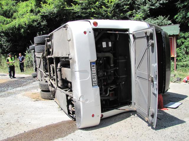 Prevrtanje autobusa kod Pržara