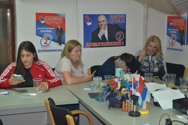 Jedinstvena Srbija u Vranju nakon završetka glasanja