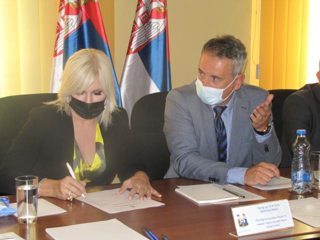Zorana Mihajlović saslušala probleme i zahteve građana Vranja