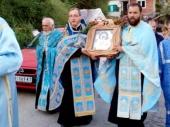 Više stotina vernika pred ikonom Bogorodice Brzopomoćnice