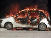 Četiri automobila izgorela u Nišu