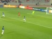 Genijalan gol golmana preko celog terena! (VIDEO)