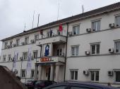 Zastava Albanije na zgradi opštine Bujanovac